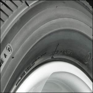 pneumatici con bordo salvacerchio
