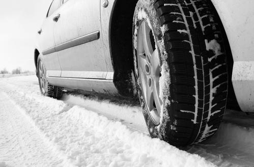 pneumatici estivi usati con la neve