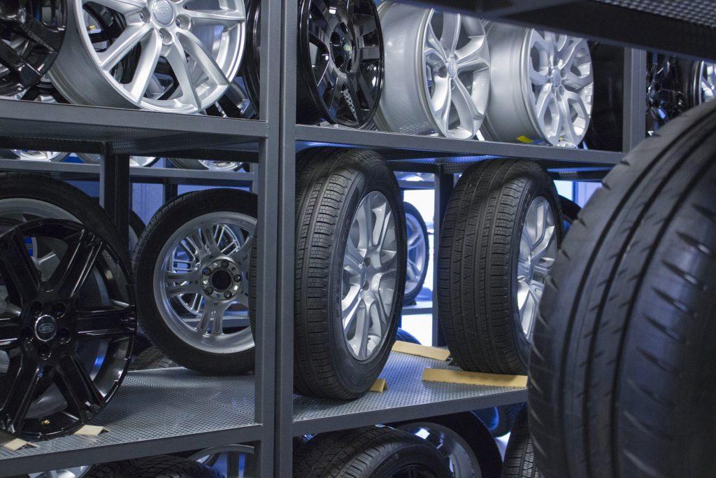 cerchi e pneumatici in vendita